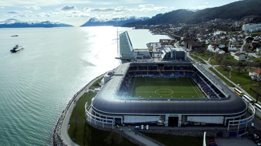 A Molde stadionja igazán szép helyen található.  fotó: MoldeFK.no
