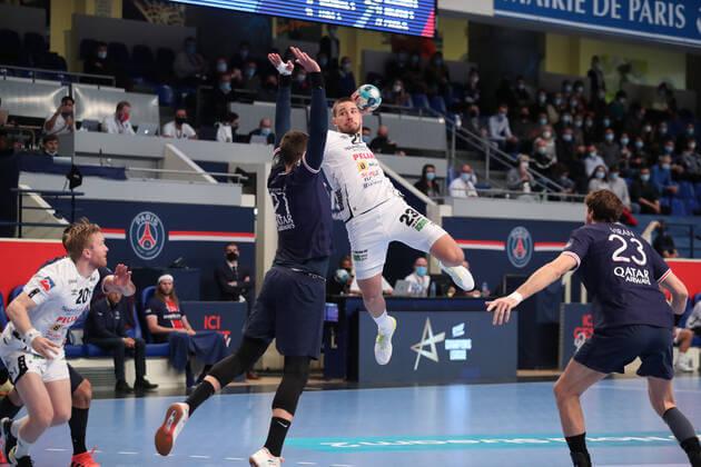 Máthé Dominik a PSG ellen a Bajnokok Ligájában. Fotó Imago images/PanoramiC