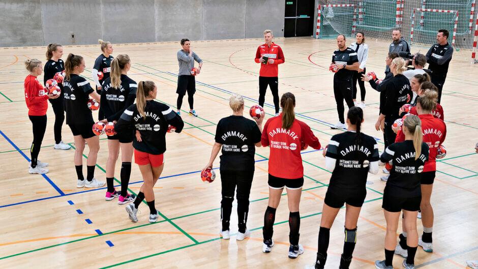 17 nappal a női kézilabda Európa-bajnokság  elött még minden bizonytalan. Fotó dán női kézilabda  válogatott / Henning Berg - Ritzau Scanpix