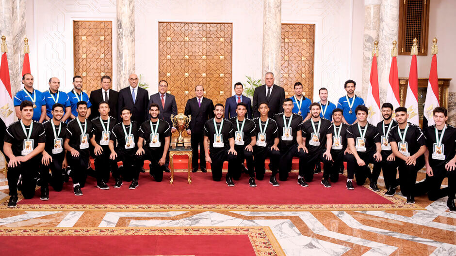 Abdel Fattah al-Sisi az ország elnöke fogadta az egyiptomi U-19 csapatot. Fotó Unknown Scanpix Denmark