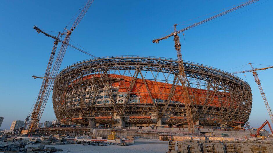 Katarban épülnek a stadionok a 2022-es labdarúgó világbajnokságra. Fotó: Ritzau Scanpix