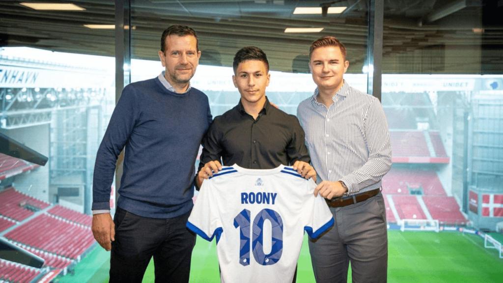 Az FC Koppenhága és Skandinávia super tehetsége  Roony Bardghji 15 évesen kötött szerződést a dán csapattal. Fotó. Fck.dk