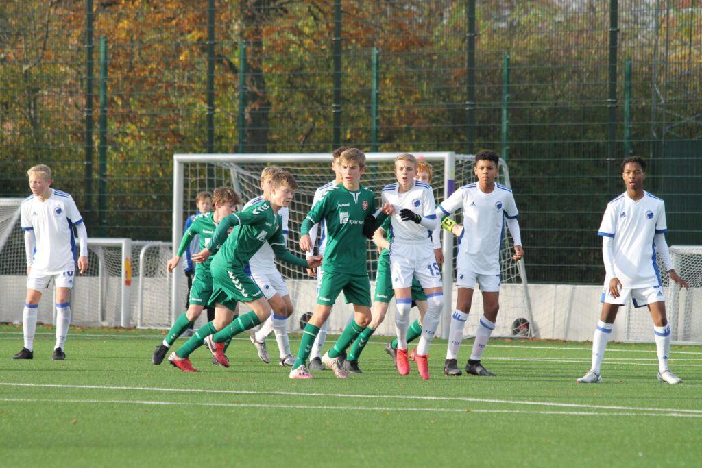 Németh Hunor Vajk fehér mezben 15-ösz számmal az U15-ös csapatban. Fotó: privát